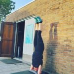 yoga pilates rosmalen sport fit rosmalen headstand yin mindfull meditatie
